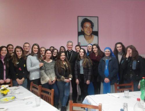 Visita dal Nunzio Apostolico dell'Albania alla Comunità Universitaria a Tirana