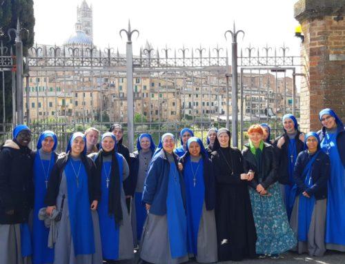 """Studentato Internazionale """"Santa Teresa di Gesù"""" Pellegrinaggio a Siena"""