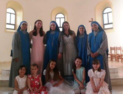 Albania: Festa di fine del anno nel convito delle ragazze a Troshan